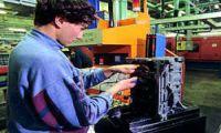 Istat: occupazione al palo nelle grandi imprese, scendono le retribuzioni